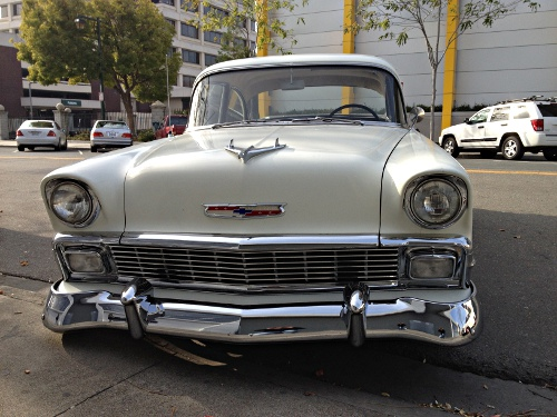 Spotted On Locust St In Walnut Creek Right Near Target Check Out The Hood Ornament Anyone Know What Kind Of Car This Is