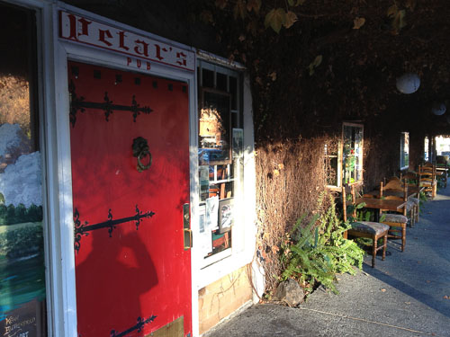 petars-lafayette-closing-door