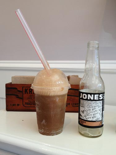 lotties-root-beer-float-walnut-creek