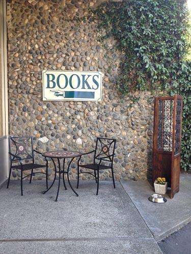 swans-books-outside-walnut-creek