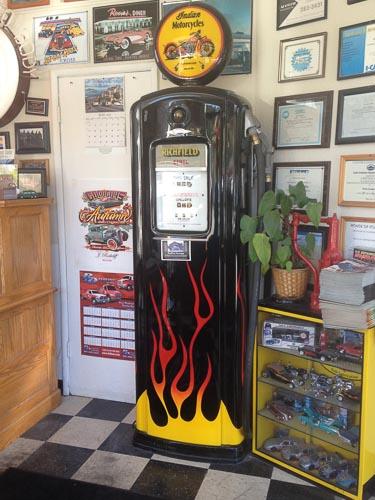 gas-pump-richfield-lafayette-