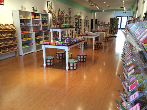 candy-counter-walnut-creek-inside-overview