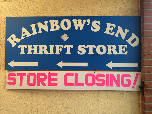 rainbows-end-walnut-creek-thrift-store-sign-closing