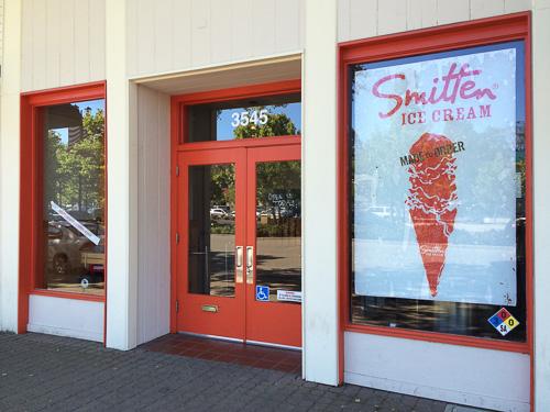smitten-lafayette-outside
