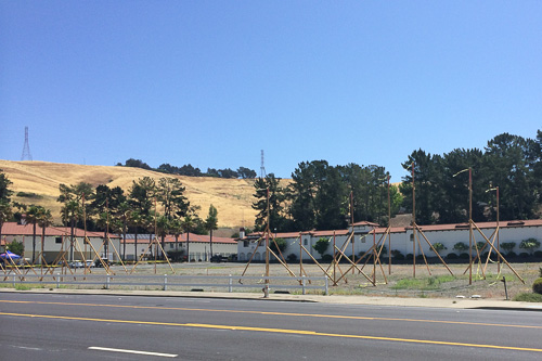 moraga-rd-wooden-beams