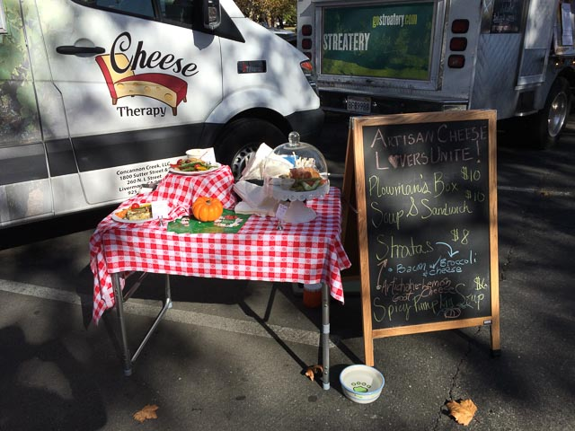 cheese-therapy-food-truck-2