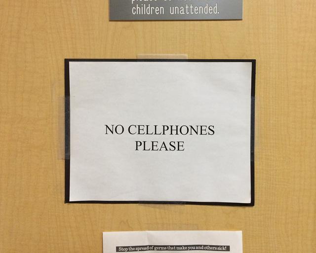 no-cellphones-please-sign