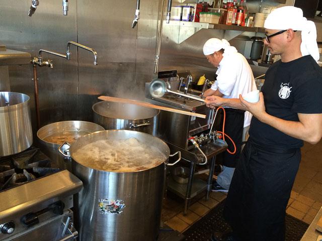 ramen-hiroshi-walnut-creek-inside-cook