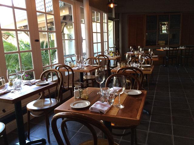 hideout-kitchen-lafayette-inside-tables