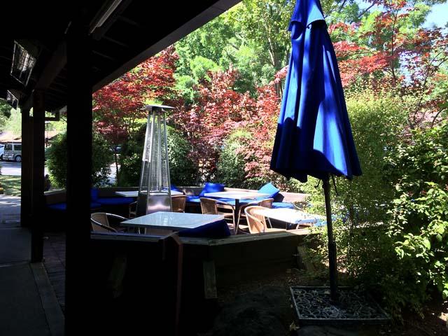 danas-danville-patio