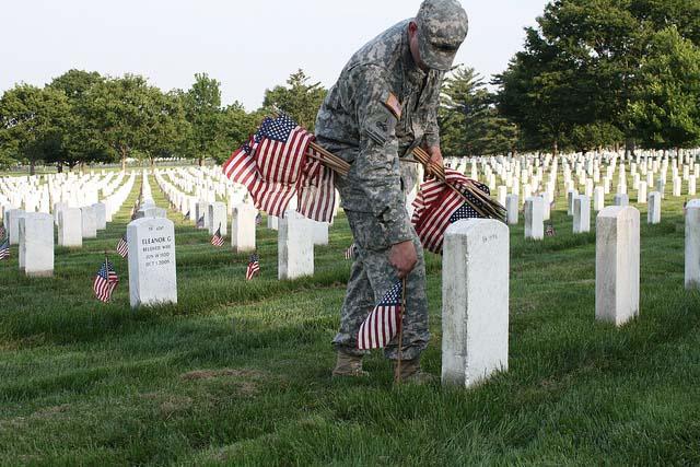 flickr-perspective-flag-memorial