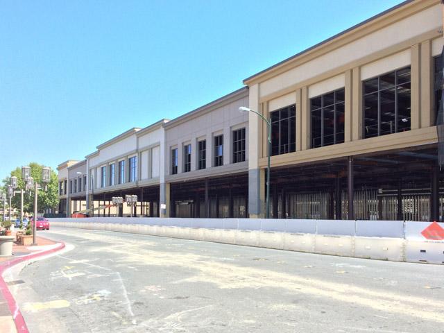 broadway-plaza-dev-outside-2015-06