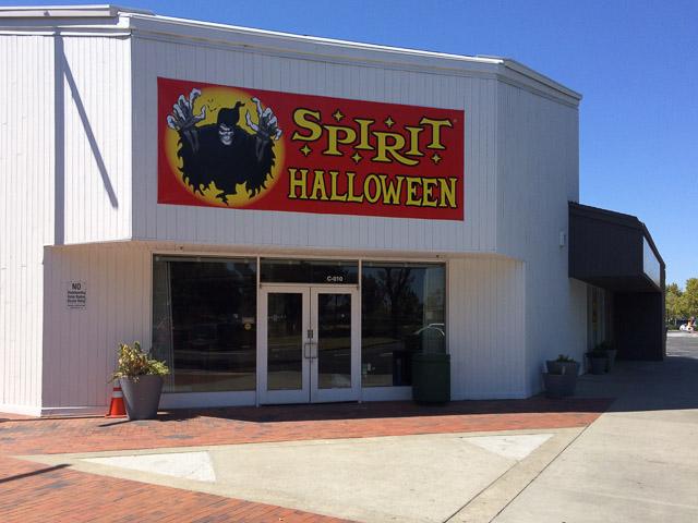 spirit-halloween-concord-2015