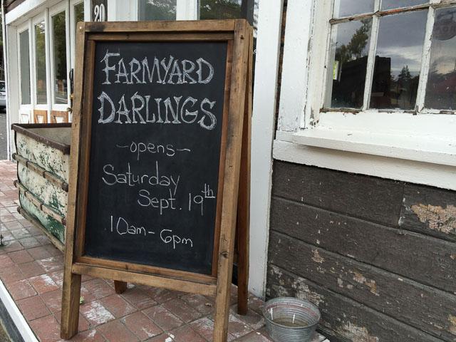 farmyard-darlings-lafayette-new-loc-outside-sign
