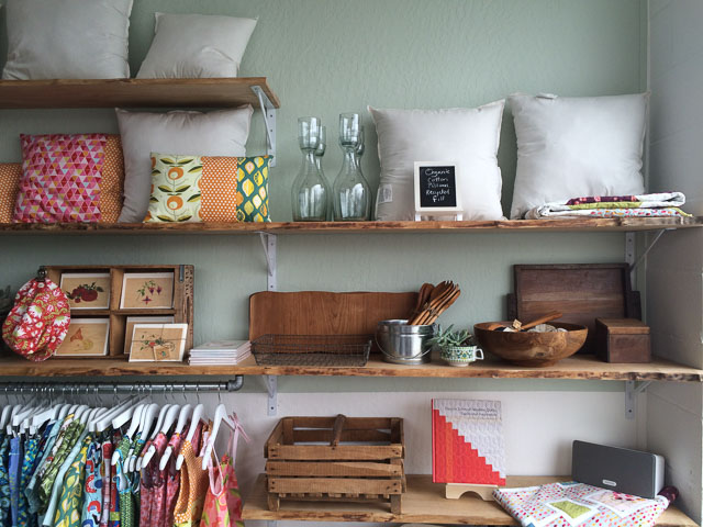monaluna-walnut-creek-inside-pillows
