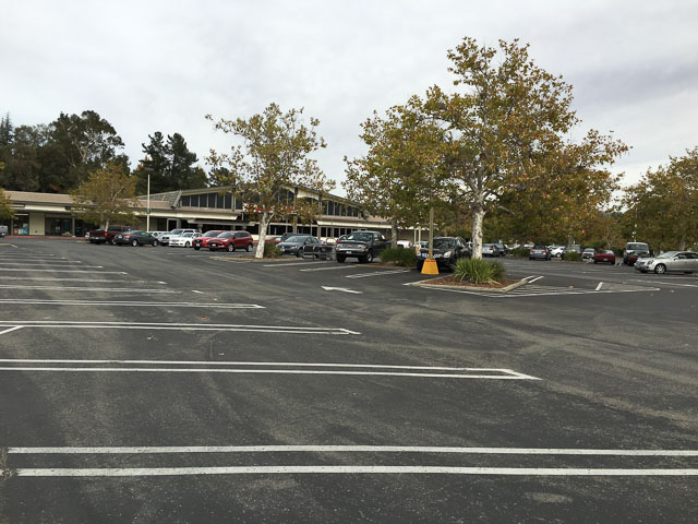 rossmoor-shopping-center-outside