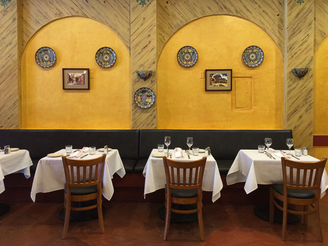 taverna-pellegrini-orinda-inside-wall