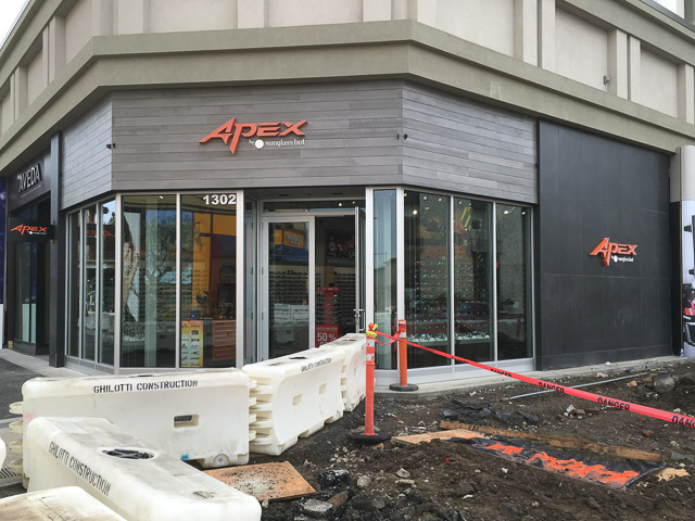 dc086c6d4a Apex by Sunglass Hut Opens in Broadway Plaza – Beyond the Creek