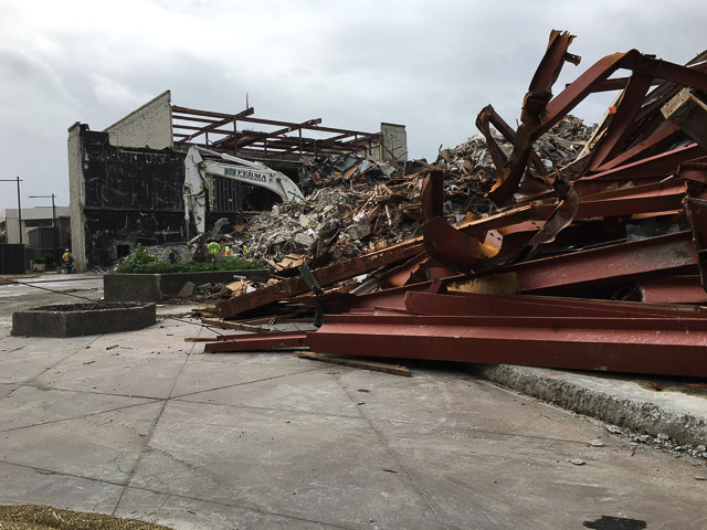 macys-mens-broadway-plaza-demolished