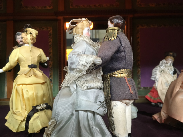 musee-mecanique-dancing