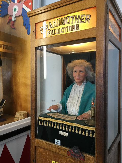 musee-mecanique-grandmother-predictions