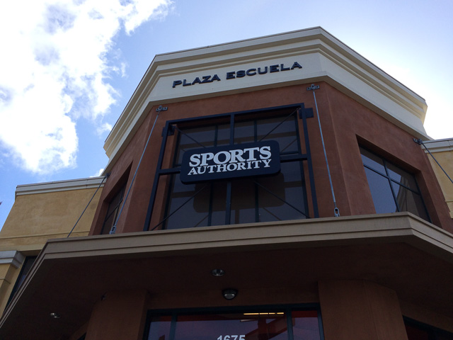 sports-authority-walnut-creek-outside-7