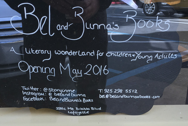 bel-and-bunnas-books-lafayette-sign