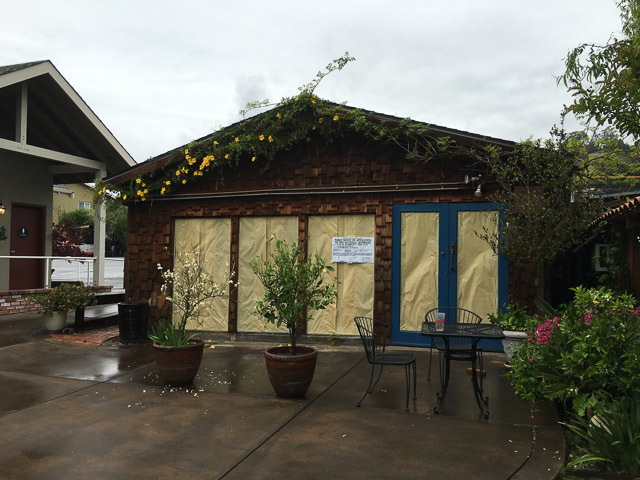 lamorinda-taphouse-outside-dev