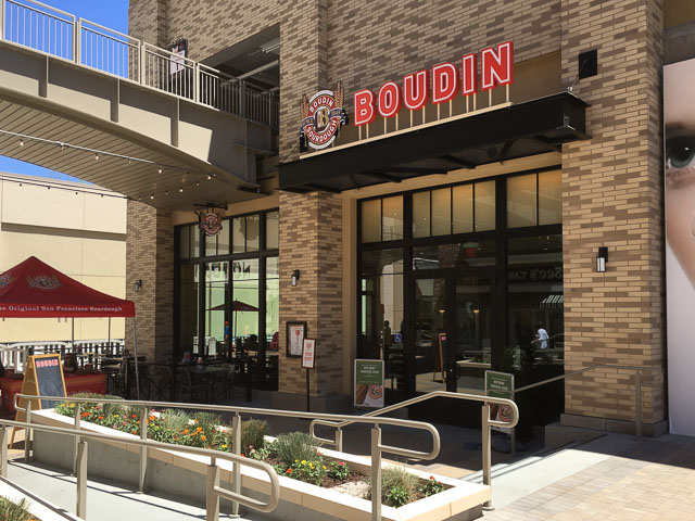boudin-broadway-plaza-outside