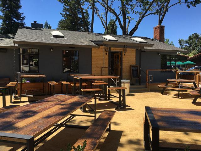 coffee-shop-lafayette-outside