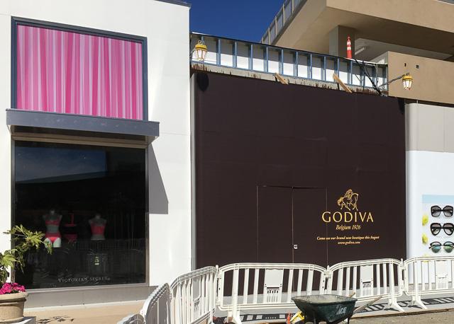 godiva-broadway-plaza-outside-dev