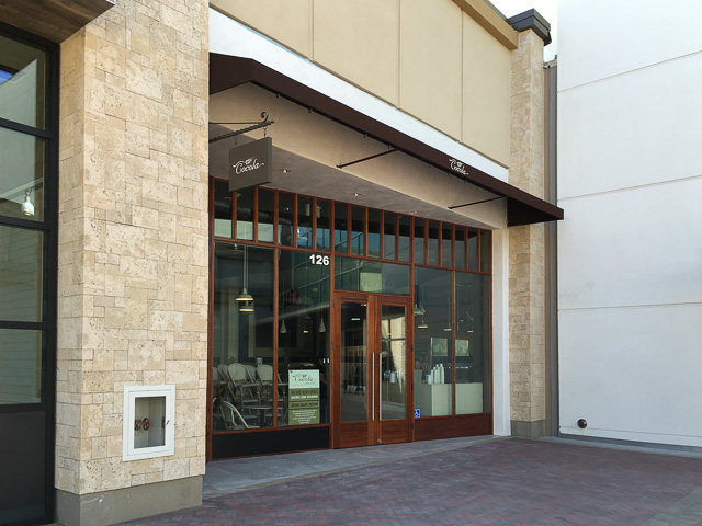 cocola-bakery-broadway-plaza-outside