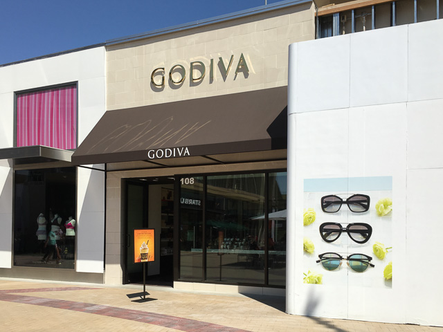 godiva-broadway-plaza-outside
