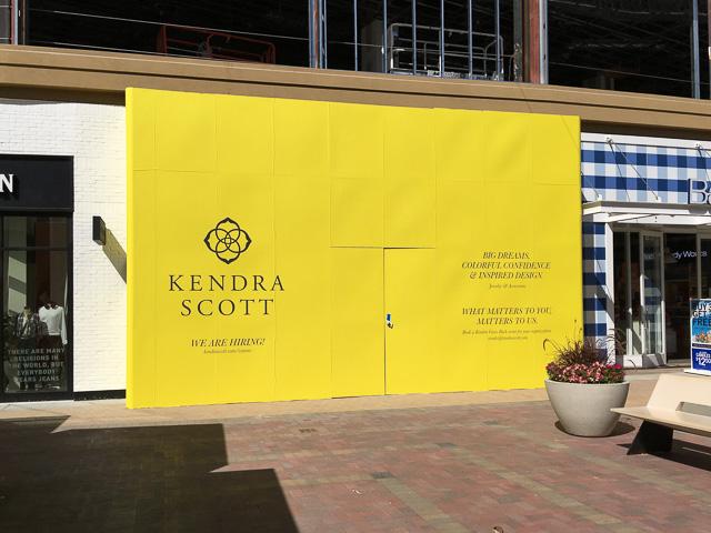 kendra-scott-broadway-plaza-outside-dev