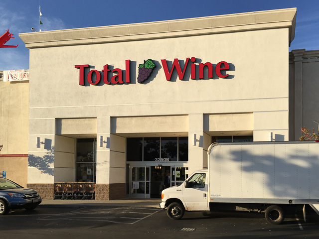 total-wine-pleasant-hill-outside