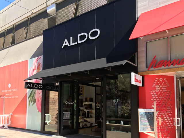 aldo-broadway-plaza-outside