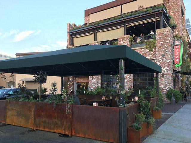 slice-house-walnut-creek-patio
