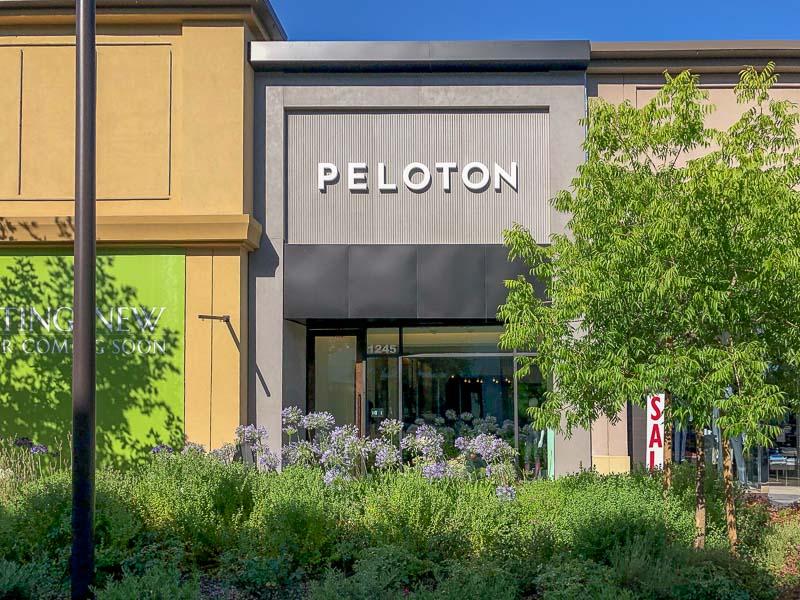 Peloton Showroom Opens In Broadway Plaza In Walnut Creek Beyond The Creek